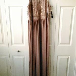 NIGHTWAY Plus 18W Glitter Gown W/Lace